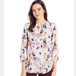 NYDJ 3/4 sleeve Henley blouse